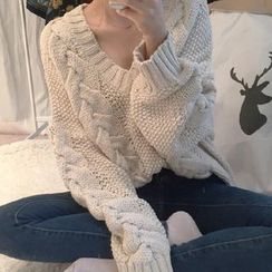 MATO - Cable Knit V-Neck Sweater