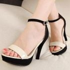 Mancienne - Two-Tone Platform Heel Sandals