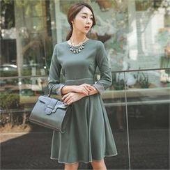 ode' - Contrast-Cuff A-Line Dress