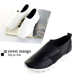 SWEET MANGO - Perforated Faux-Leather Slip-Ons