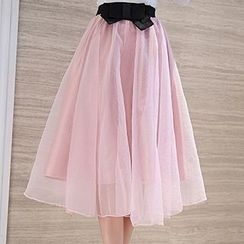 Romantica - Set: Blouse + Bow-Accent Mesh Skirt