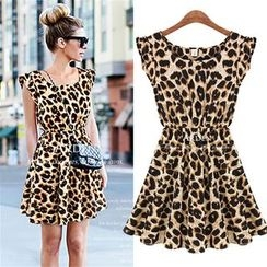 Dream a Dream - Sleeveless Leopard Pleaded Dress