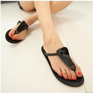 QQ Trend - Faux-Leather Thong Sandals