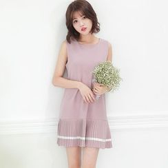 Tokyo Fashion - Pleated Dress