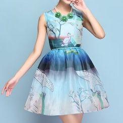 草莓花朵 - 印花无袖连衣裙
