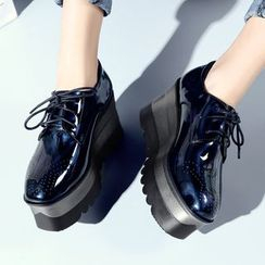 JY Shoes - Lace-Up Brogue Platform Shoes