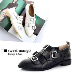 SWEET MANGO - Buckled Loafers