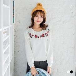 OrangeBear - Embroidered Rose Sweatshirt