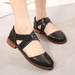 Mancienne - Cross-Strap Flats