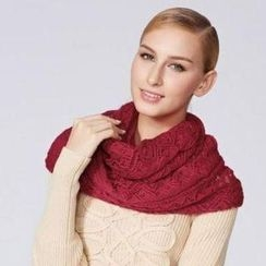 O.SA - Open-Knit Circle Scarf
