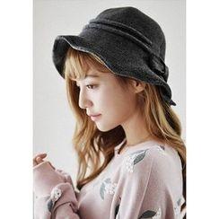 GOROKE - Bow Knit Bucket Hat