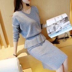 Ageha - Set : V-neck Knit Top + Skirt