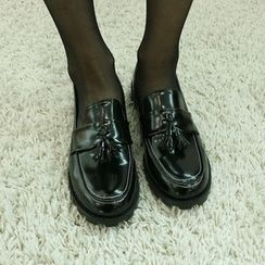 Dodostyle - Tassel Accent Faux-Leather Loafers