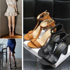 Monde - T-Bar Chunky Heel Sandals