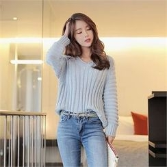 CHICLINE - V-Neck Cable-Knit Sweater