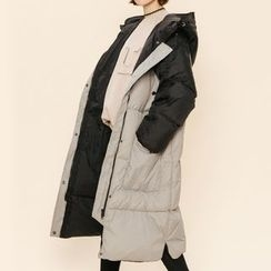 Heynew - Hooded Color Panel Long Padded Jacket