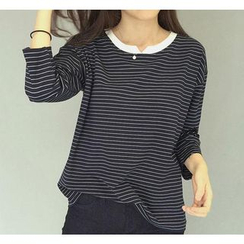 QZ Lady - Notched Collar 3/4-Sleeve Striped T-Shirt