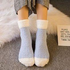 SouthBay Shoes - Heart Print Fleece Socks