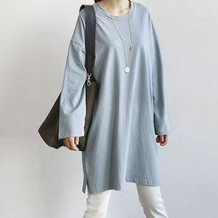 NANING9 - Crewneck Slit-Side T-Shirt Dress