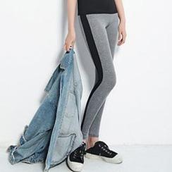 Corella - Contrast Trim Yoga Pants