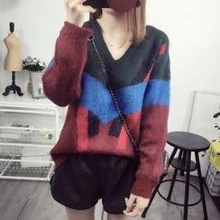 Maine - V-Neck Color-Block Sweater