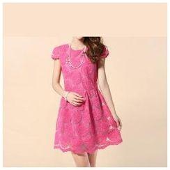 草莓花朵 - 盖袖刺绣欧根纱连衣裙