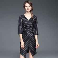 歐依潮派 - 七分袖多褶條紋連衣裙