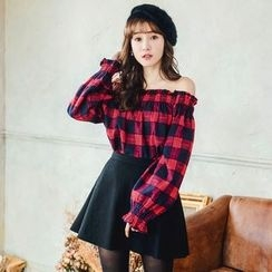 Tokyo Fashion - Long-Sleeve Off-Shoulder Check Top