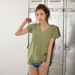 Cherryville - Pocket-Front V-Neck T-Shirt