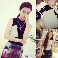 QZ Lady - Mock-Neck Tank Top