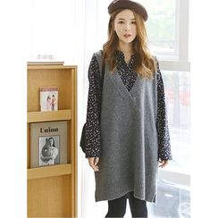 LOLOten - V-Neck Sleeveless Wool Blend Knit Dress