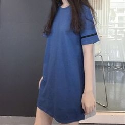 QZ Lady - Short-Sleeve Color Block T-Shirt Dress