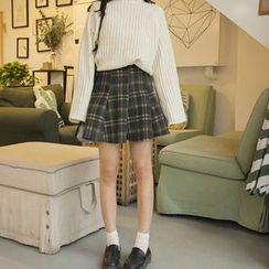 Cattie - Plaid Pleated Mini Skirt