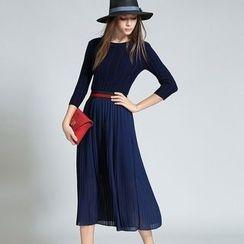 Diosa - Long-Sleeve Pleated Midi Dress