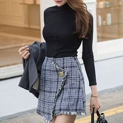 Yilda - Set: Top + Plaid Skirt