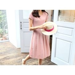 MARSHMALLOW - Short-Sleeve Shirred Dress