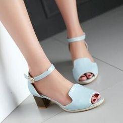 Tomma - Block Heel Sandals