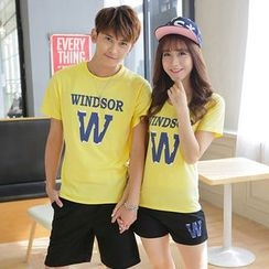 Lovebirds - Set: Couple Lettering T-Shirt + Shorts