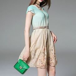 Queen Mulock - Short-Petal-Sleeve Printed Dress