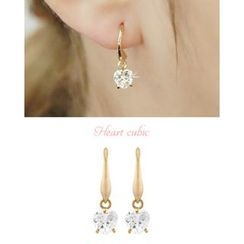 Miss21 Korea - Heart-Rhinestone Dangle Earrings