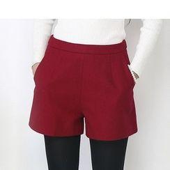 LITI - Woolen A Line Shorts