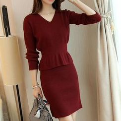 Shomez - Set: V-Neck Peplum Sweater + Knit Skirt