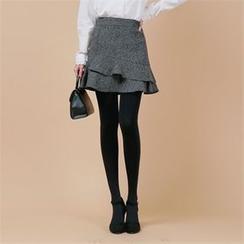 Styleberry - Inset Shorts Mélange Ruffle-Hem Mini Skirt