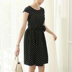 Q.C.T - Short-Sleeve Dotted Dress