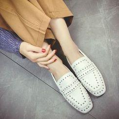 QQ Trend - 铆钉乐福鞋