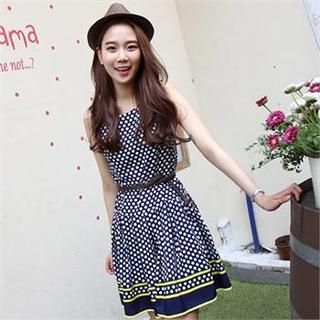 midnightCOCO - Sleeveless Polka-Dot Dress with Belt