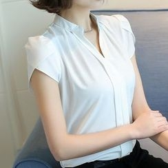 Fumoya - Short-Sleeve V-Neck Blouse
