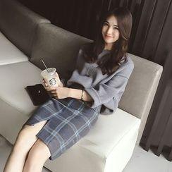 Soraka - Set: Sweater + Plaid Skirt