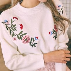 chuu - Flower-Embroidered Furry-Knit Top