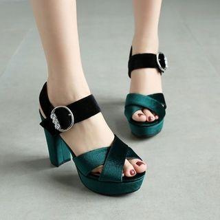 JY Shoes - Buckled Block Heel Sandals